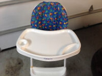 Chaise haute avec plateau- High chair with tray