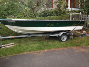14 Foot boat and trailer with 25hp 4 Stroke Honda