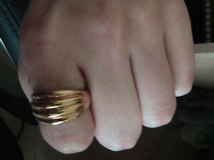 Brand new Women's ring size 8 London Ontario image 2