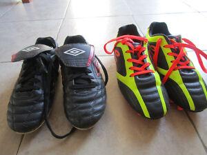 UMBRO Chaussures soccer junior 6 et 7.5 - Excellent état