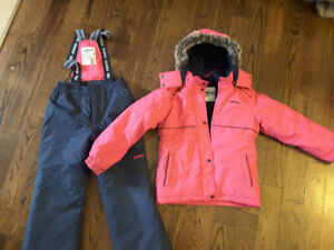 Oshkosh  Youth girl snowsuit, Size 8