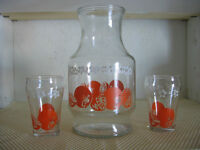 Vintage Juice Container and 2 Glasses
