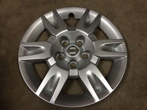 "2005-06 Nissan Altima OEM 16"" BOLT-ON Wheel Covers"