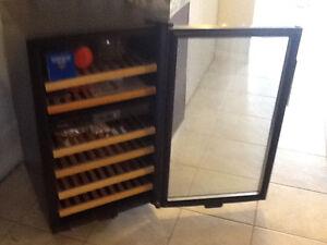 Dandy designer dual control wine fridge Kitchener / Waterloo Kitchener Area image 3