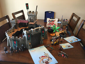 Playmobil castle and pirate set with knights