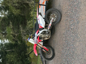 2006 CRF 450R  trade for quad or sled
