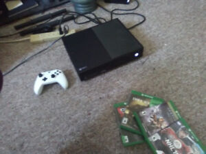1TB Xbox one bundle $300 obo