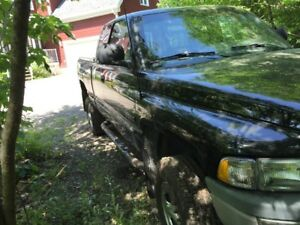 1999 Dodge Power Ram 2500 Camionnette