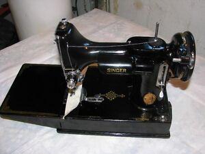 Vintage 1951 Singer Featherweight 221-1 sewing machine