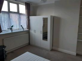 Double Room near Twickenham