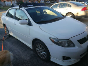 White 2009 Corolla S 1.8 Manual 5spd