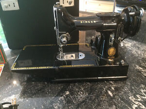 RARE 222K Singer FeatherWeight Sewing Machine
