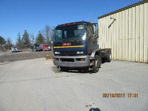 2002 GMC T8500 CAB OVER