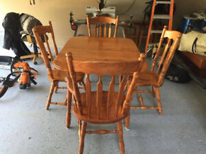 Kitchen table & chairs (hardwood maple)