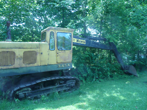 For Sale:  Hydraulic Excavator, ¾ yd.