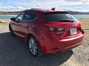 2017 Mazda Mazda3 GT Sport w Tech and Premium packages Hatchback