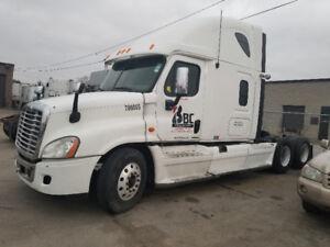 Safeties Truck | Find Heavy Pickup & Tow Trucks Near Me in