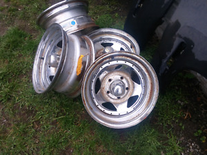 15 inch Old Chevy s10 rims chrome