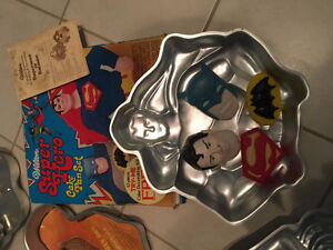 Themed cake pans
