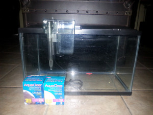 Aquarium 10 gallons avec filreur aquaclear 20
