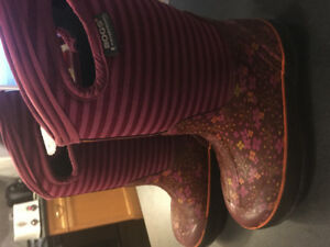 Girls Size 3 Bogs Winter Boots