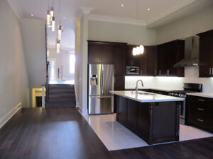 Come Live in This Luxury 3 Bedroom Home in Etobicoke!