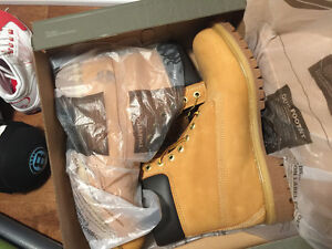 Brand new Timberland Classic 10061  Boots $180 size 10.5