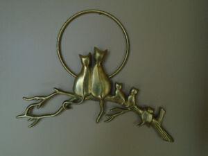 cadre/ sculpture  en laiton chats sur une branche