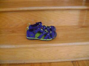 Sandals Keen grandeur EUR 33,US 1. Sandales Keen size 33
