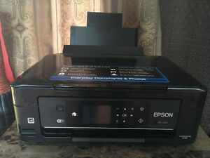 2015 Epson XP-430 Wireless Printer w/ Coloured Ink