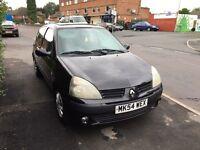 Renault Clio 1.5 diesel 2005 REG 12 months mot ex driving instructor car