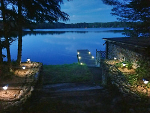 Waterfront Romantic - private cottage