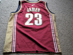 Nike NBA - Clevel.Cavs James- Youth sz. Med.