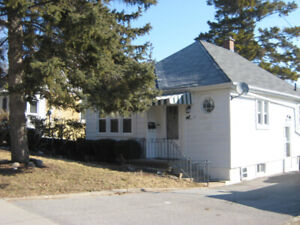 59 Beverley St- Furnished, All Incl. 1 BR Apt. close to Queen's!