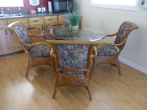 Beautiful Rattan Dining Table and 4 Chairs