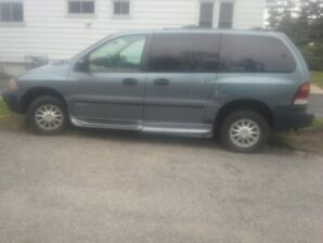 2000 Ford Windstar Minivan,  HANDY CAP VAN