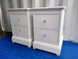 Excellent condition! Corndell Furniture. white solid wood bedsides