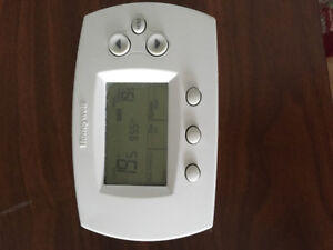 Thermostat Honeywell FocusPro TH6000 Series