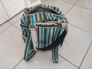 JuJuBe PackaBe messenger/diaper bag