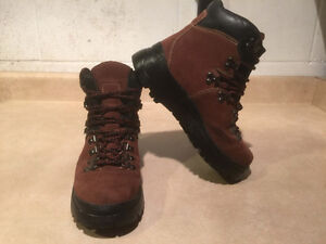 Women's Cougar Winter Boots Size 8 London Ontario image 7
