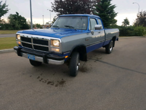 1993 dodge d250  1st gen Cummings