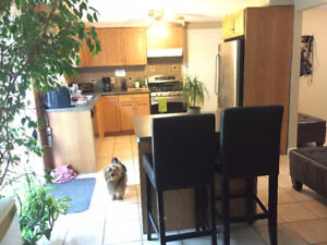 ***2 Christian Female Roommates Wanted (All Inclusive, West End)