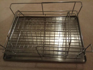 Stainless Steel Dish Drying Rack & Tray In Excellent Condition