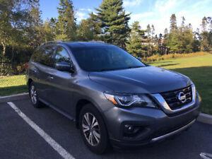 2017 Nissan Pathfinder SV SUV, Crossover