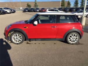 2016 MINI Cooper 2 Door, No accident, factory warranty REDUCED