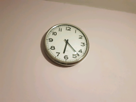 Clock in very good condition