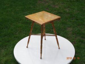 Antique - Table d'appoint en bois