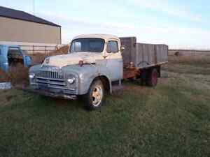 1950 International L160 grain truck