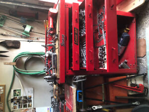 Snap on tools and tool chest and hydraulic lift for lift trucks