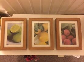 Ribba set of 3 frames with pictures